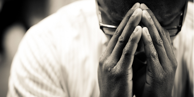 Sign up to pray during a worship gathering